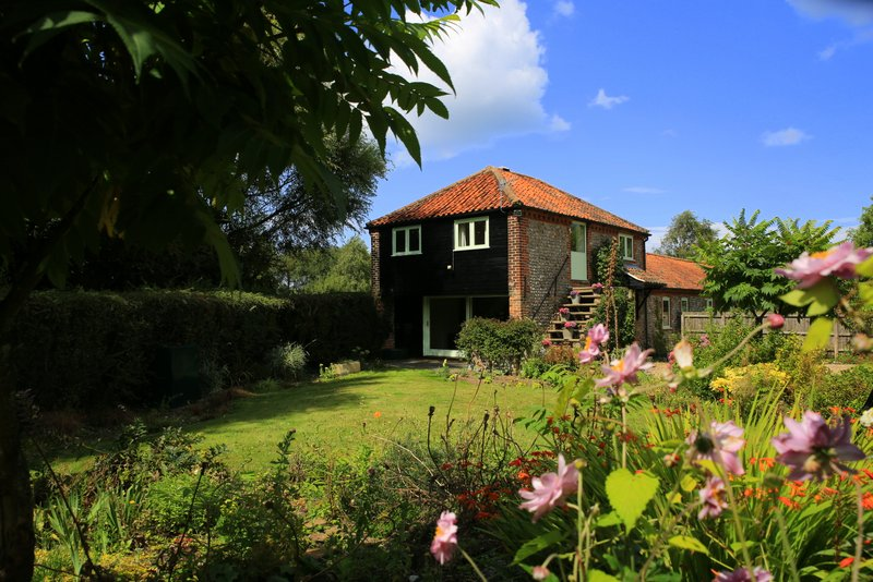 Granary Cottage at Abbey Farm Holiday Cottages Beeston Regis Norfolk